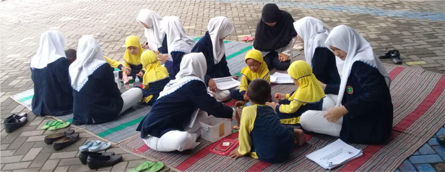 Pengabdian Masyarakat Mahasiswa dengan Siswa PAUD Alif Center